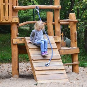 holz, wood, robinie, robinia, spielplatz, playground, spielanlage, multi unit