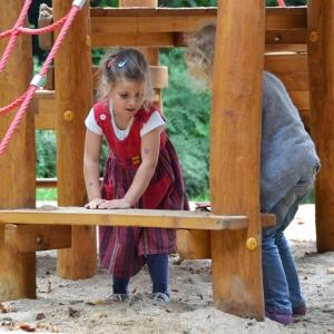 holz, wood, robinie, robinia, spielplatz, playground, spielanlage, multi unit, tipi, tepee