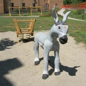 holz, wood, robinie, robinia, spielplatz, playground, spielskulptur, play sculpture, esel, donkey, eselkarren, donkey cart