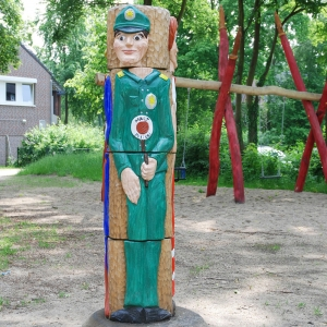 holz, wood, robinie, robinia, spielplatz, playground, sinnspiel, sensory game, grosses drehspiel, big sensory game, 110