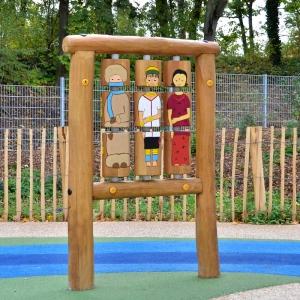 holz, wood, robinie, robinia, spielplatz, playground, sinnspiel, sensory game, kleines drehspiel, small sensory game, kulturen, culture
