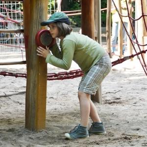 holz, wood, robinie, robinia, spielplatz, playground, sinnspiel, sensory game, teleruf, call installation