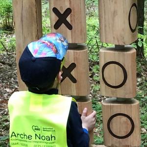 holz, wood, robinie, robinia, spielplatz, playground, sinnspiel, sensory game, tic tac toe