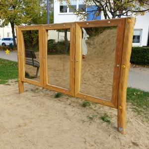 holz, wood, robinie, robinia, spielplatz, playground, sinnspiel, sensory game, zerrspiegel, distorting mirror