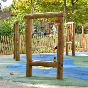 holz, wood, robinie, robinia, spielplatz, playground, sinnspiel, sensory game, motorikschleife, motor activity loop