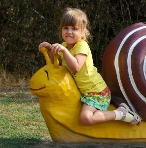 holz, wood, robinie, robinia, spielplatz, playground, spielskulptur, play sculpture, weinbergschnecke, burgundy snail