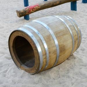 holz, wood, robinie, robinia, spielplatz, playground, holzfass, barrel