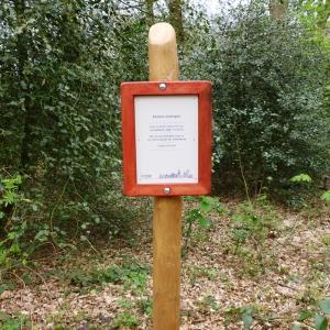 holz, wood, robinie, robinia, spielplatz, playground, informationsschild, information sign