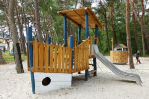 holz, wood, robinie, robinia, spielplatz, playground, ostsee, baltic sea, maritim, maritime, kutter, cutter