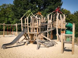 SIK-Holz, Peter_Pan, Spielplatz, Spielgeräte, Robinie