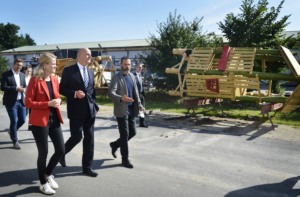 SIK-Holz, Woidke, Marc Oelker, Spielplatz, Robinie